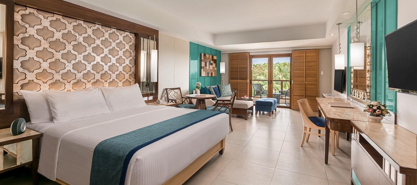 Henann Resort Alona Beach Bohol Junior Suite